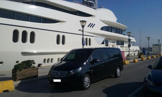 Glyfada, Grecia: Mercedes Vito