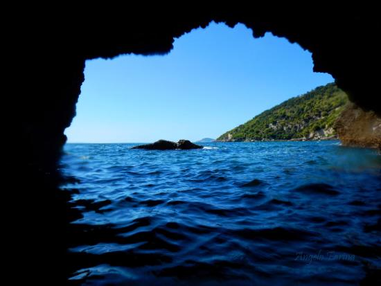 Scauri, Italia: Fondali della Spiaggia dei Sassolini
