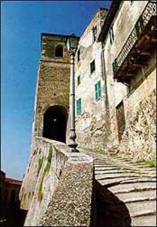 Castiglione in Teverina, Italia: le scalette di San Giovanni