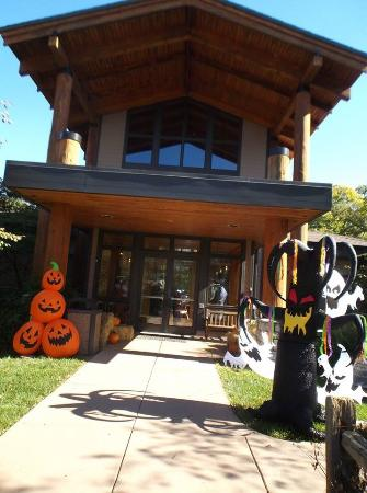 Bellevue, NE: They have special programs regularly, like the fall festivals and kid oriented themes.