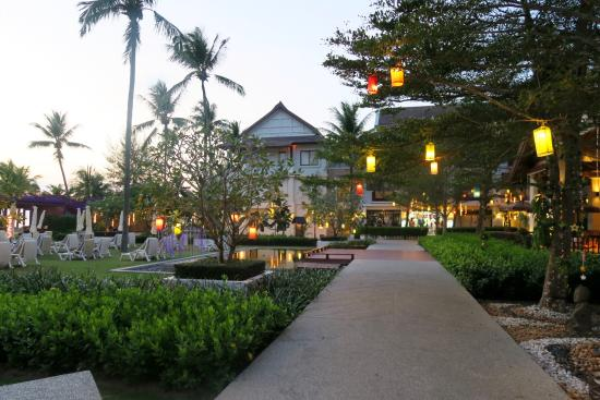 Apsara Beachfront Resort and Villa Photo