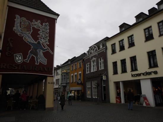 Xanten, Niemcy: Das Cafe, befindet sich am Markt, und an der Einkaufsstraße..