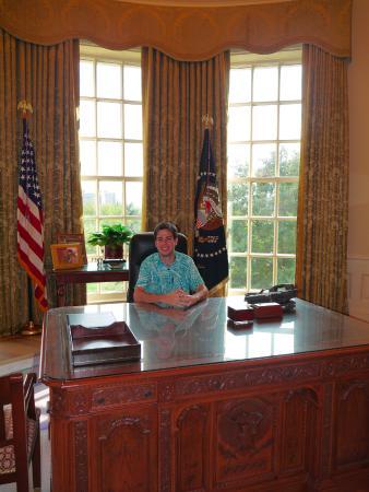 the george w bush presidential library and museum en el despacho oval de george bush library oval office
