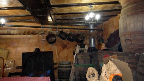 Santa Brigida, สเปน: Bodega - man også kunne få smake vin.