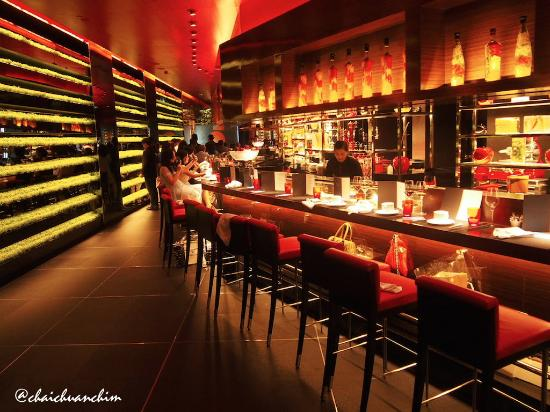 Picture of l 39 atelier de joel robuchon bangkok for Hotel food bar atelier 84