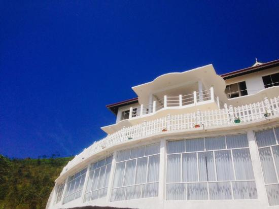 Mount Queen Hotel
