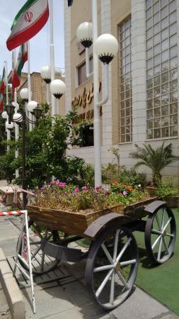 Shiraz International Parseh Hotel: außen