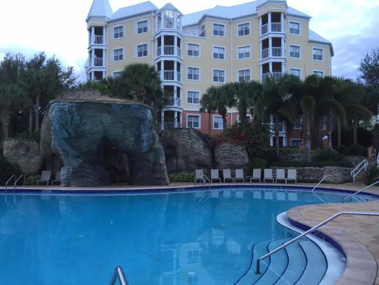 the heated pool picture of hilton grand vacations at seaworld rh tripadvisor com