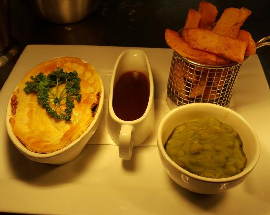 Congleton, UK: Steak & Ale Pie