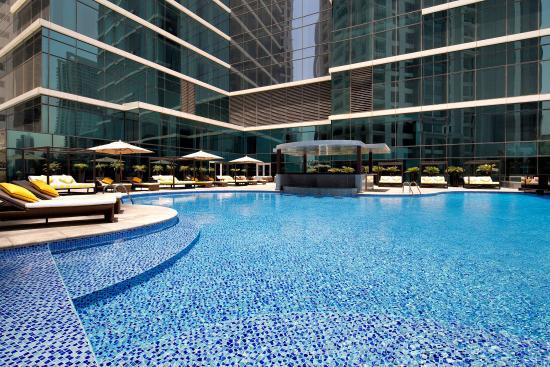 Taj dubai updated 2018 prices hotel reviews united - Dubai airport swimming pool price ...