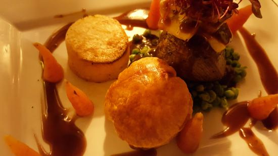 Congleton, UK: steak port and stilton pie