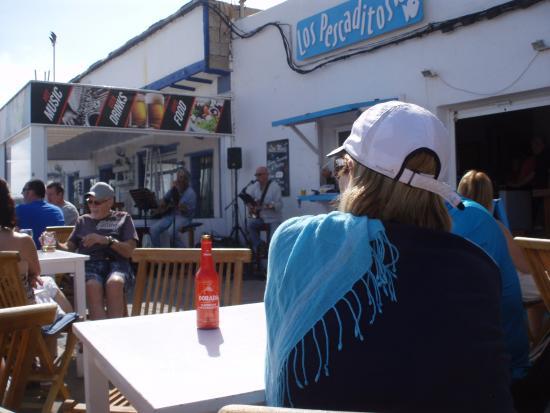 Los Pescaditos: another undercover shot.