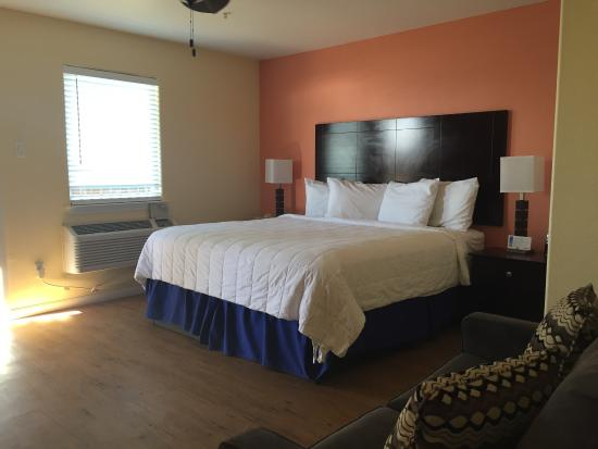 Surfside Beach, TX: Ocean Village Hotel