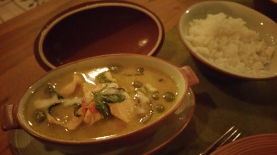 Kuramathi: Restaurant Siam Garden (Spicy beef in green curry)