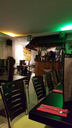 Boulogne-Billancourt, ฝรั่งเศส: Uma vista do restaurante