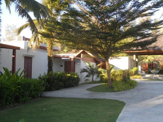 Apsara Beachfront Resort and Villa: Our villa 816