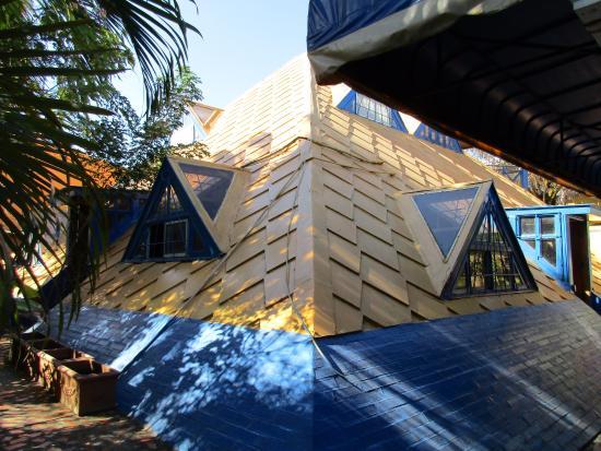 Hotel La Pyramide Picture