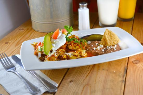 Eduardo's BBQ Steaks & Mexican Grill: Que Deliciosos Chilaquiles