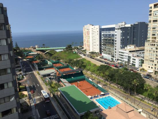 Radisson Hotel Decapolis Miraflores: View from the rooftop bar