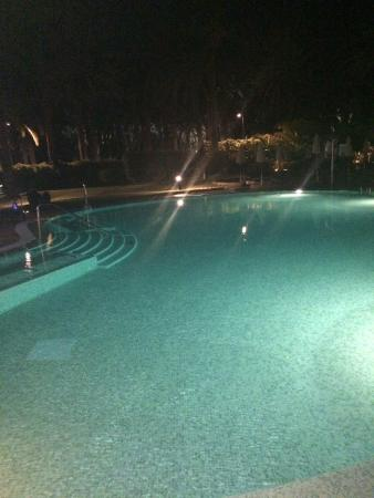 Seaside Palm Beach: Pool at night by by the bar