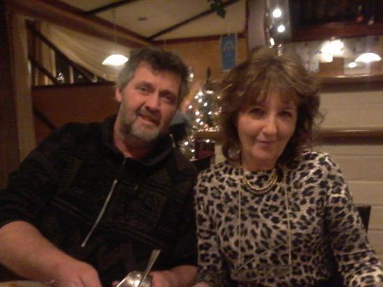 Grobbendonk, Bélgica: Onder de maaltijd, allebei happy!