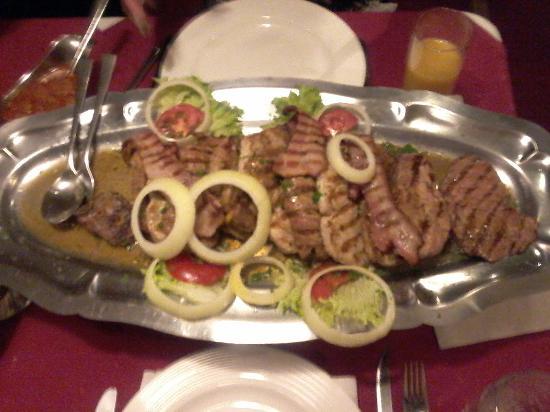 Grobbendonk, Bélgica: Veel te veel voor 4 personen, reeds groot deel gegeten!