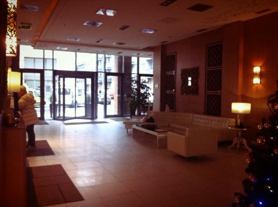Marmara Hotel Budapest: Questa è' la hall dell'hotel