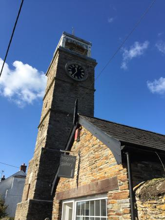 Tregony, UK: Situated next to the characteristic Clock Tower