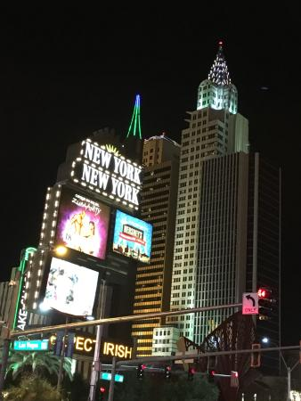 vista da fachada do hotel picture of new york new york hotel and rh tripadvisor com