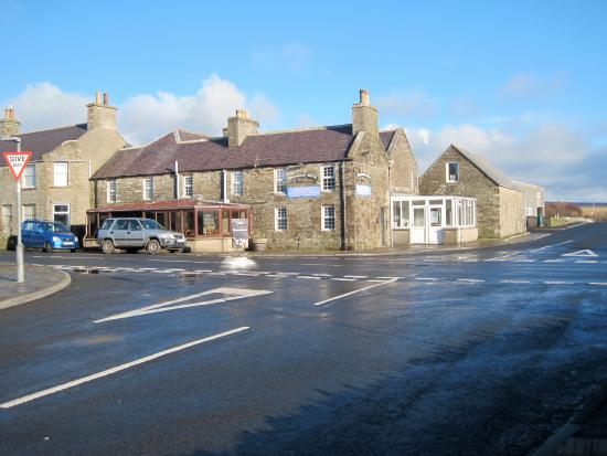 Dounby, UK: This is the Smithfield Hotel, tucked round the back is the Plout Kirn, the restaurant attached t