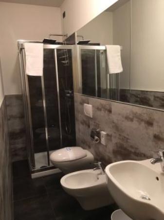 Settimo Torinese, إيطاليا: bagno camera singola