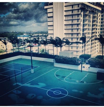 W South Beach Rooftop Basketball