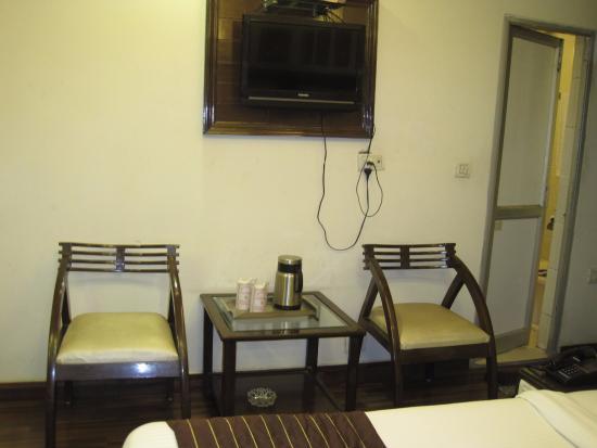 Hotel Lal's Haveli: 一応テレビは付いた