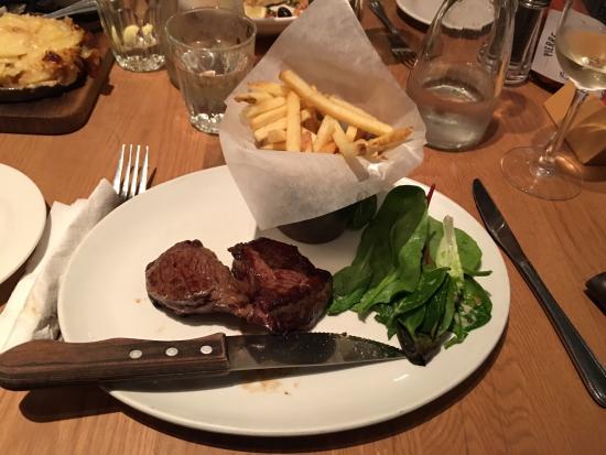 Bistrot Pierre: steak, no sauce