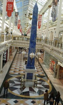 San Sebastián de los Reyes, España: Interior del centro comercial