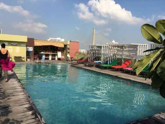 Pool auf dem dach picture of nouvo city hotel bangkok - Pool auf dem dach ...