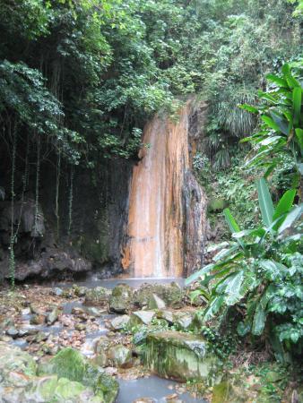 Gros Islet, St. Lucia: Diamond Falls, Soufriere