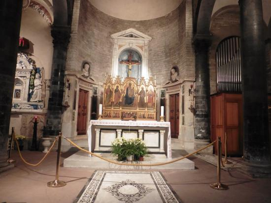 Chiesa dei Santi Apostoli: L'altare