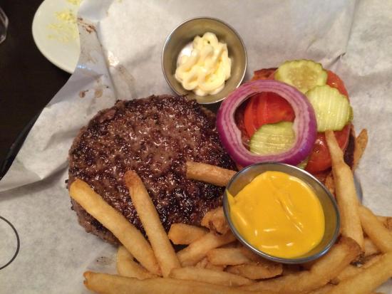 Leesburg, FL: Burger and fries