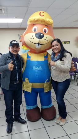 Centro Interactivo de Ensenanza CHIMINIKE: En cumple de un amiguito en chiminique con Don Castor!