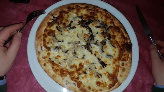 Sondrio, Italia: Pizzeria Griglieria Al Cantun