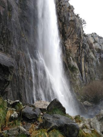 Regules, España: Nacimiento del río Asón