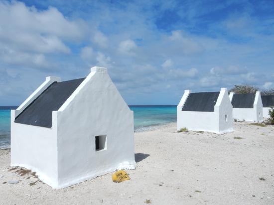 Kralendijk, Bonaire: Slave Huts