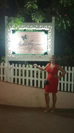 Butterfly Beach Hotel: 20160206_225952_large.jpg
