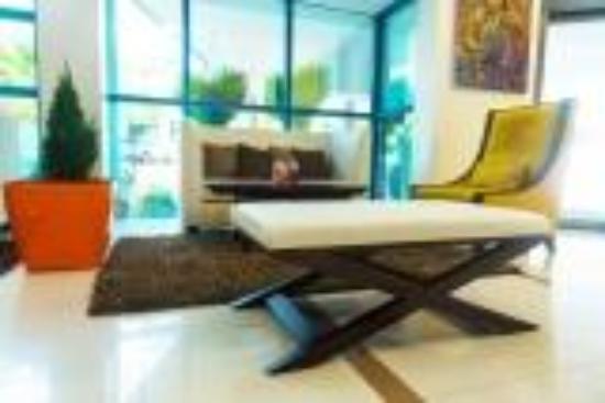 Best Western Premier Accra Airport Hotel: Hotel Lobby