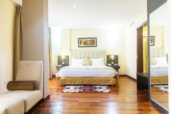 Best Western Premier Accra Airport Hotel: Guest Room