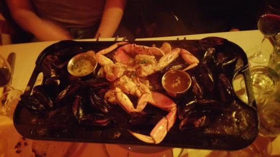 Bobo's Steakhouse : double mussels double shrimp (but where are the shrimp and who added crab?)