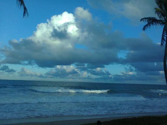Lauro de Freitas, BA: Final da tarde, com uma linda imagem da Praia de Villas do Atlântico.