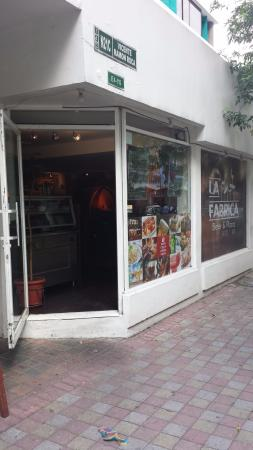La Fabrica Beer & Pizza