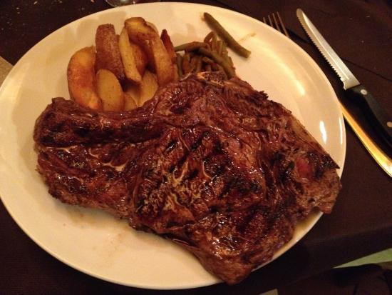 Omegna, Italia: Cena a base di carne di fassona